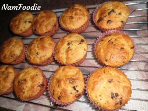 chocolate chip muffins rack