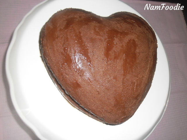 chocolate heart cake icing