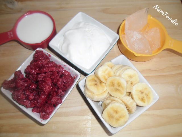 raspberry smoothie ingredients