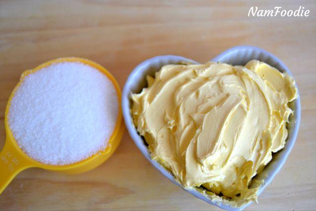 Red velvet cupcakes sugar butter