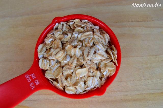 festive apple crumble oats