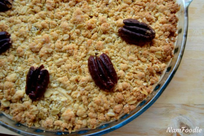 Festive apple crumble