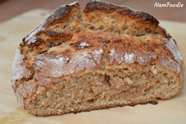 dutch oven bread sliced