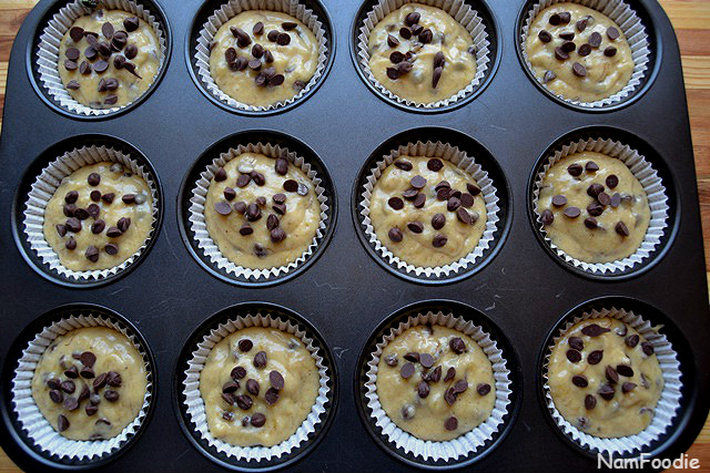Banana chocolate chip muffins top