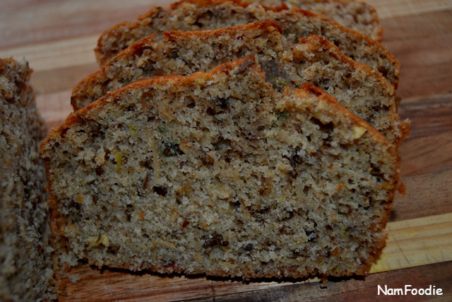 banana-nut-and-seed-bread-slice